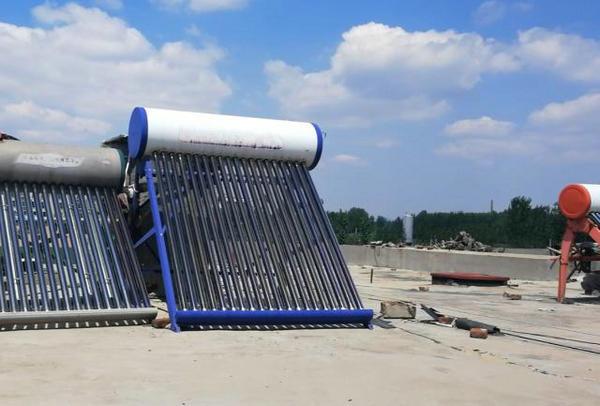 太阳能热水器怎么清洗 减少水垢的方法有哪些